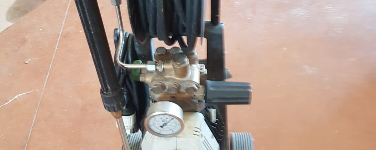 Idropulitrice a pressione regolabile da 0 - 120 bar